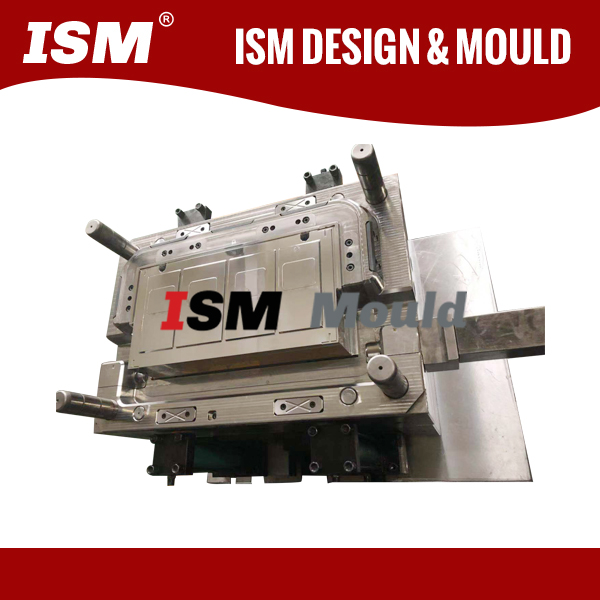 Mould for plastic electrical parts